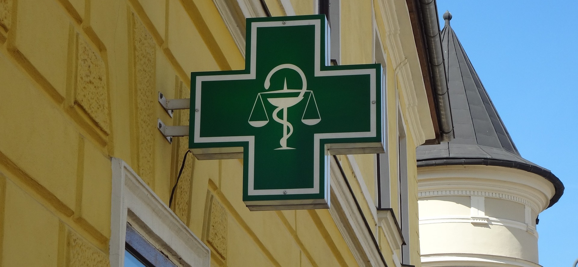 logo pharmacy apteka